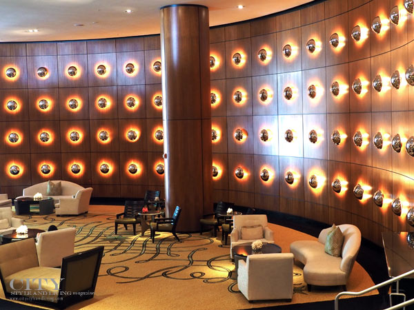Ritz-Carlton-South-Beach-Wall-of-Lights