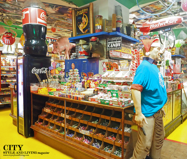 A look at the endless candy at Hollywood Candy