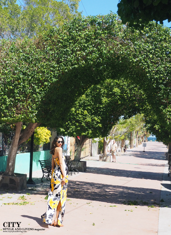Graphic Maxi Loreto Maxi Style and Travel blogger fashion