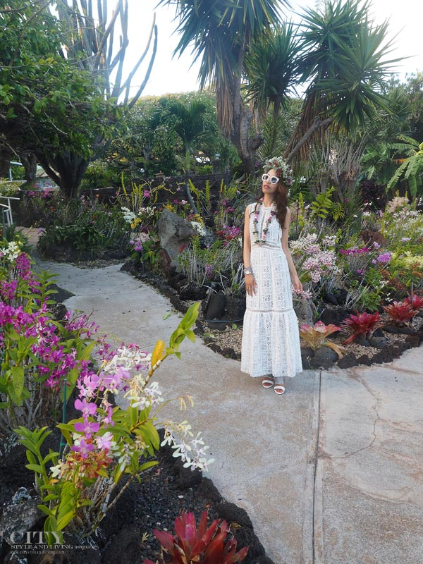 City style and living magazine style fashion blogger Kauai Rebecca taylor lace dress standing