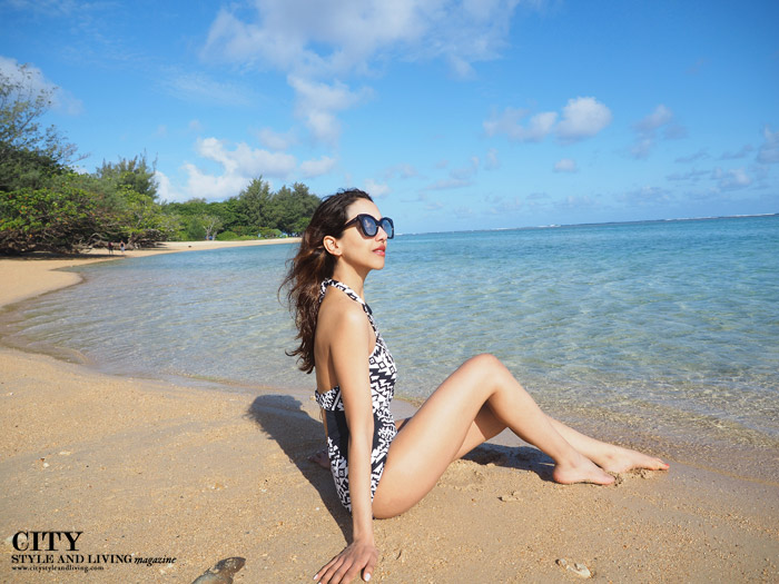 City style and living magazine style fashion blogger Kauai Pacific Ocean Seafolly swimsuit