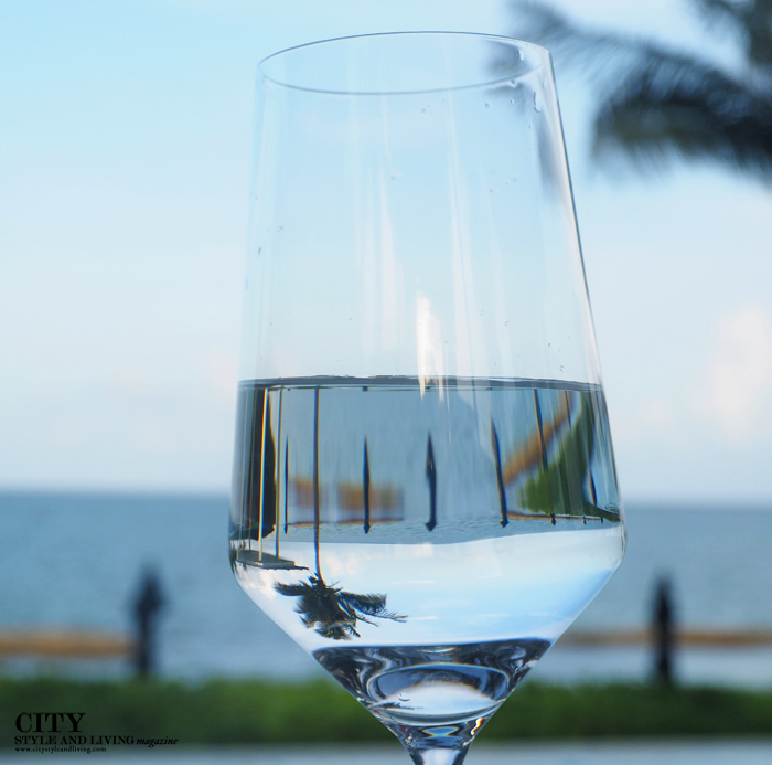 City style and living magazine style fashion blogger Riviera maya banyan tree mayakoba water glass