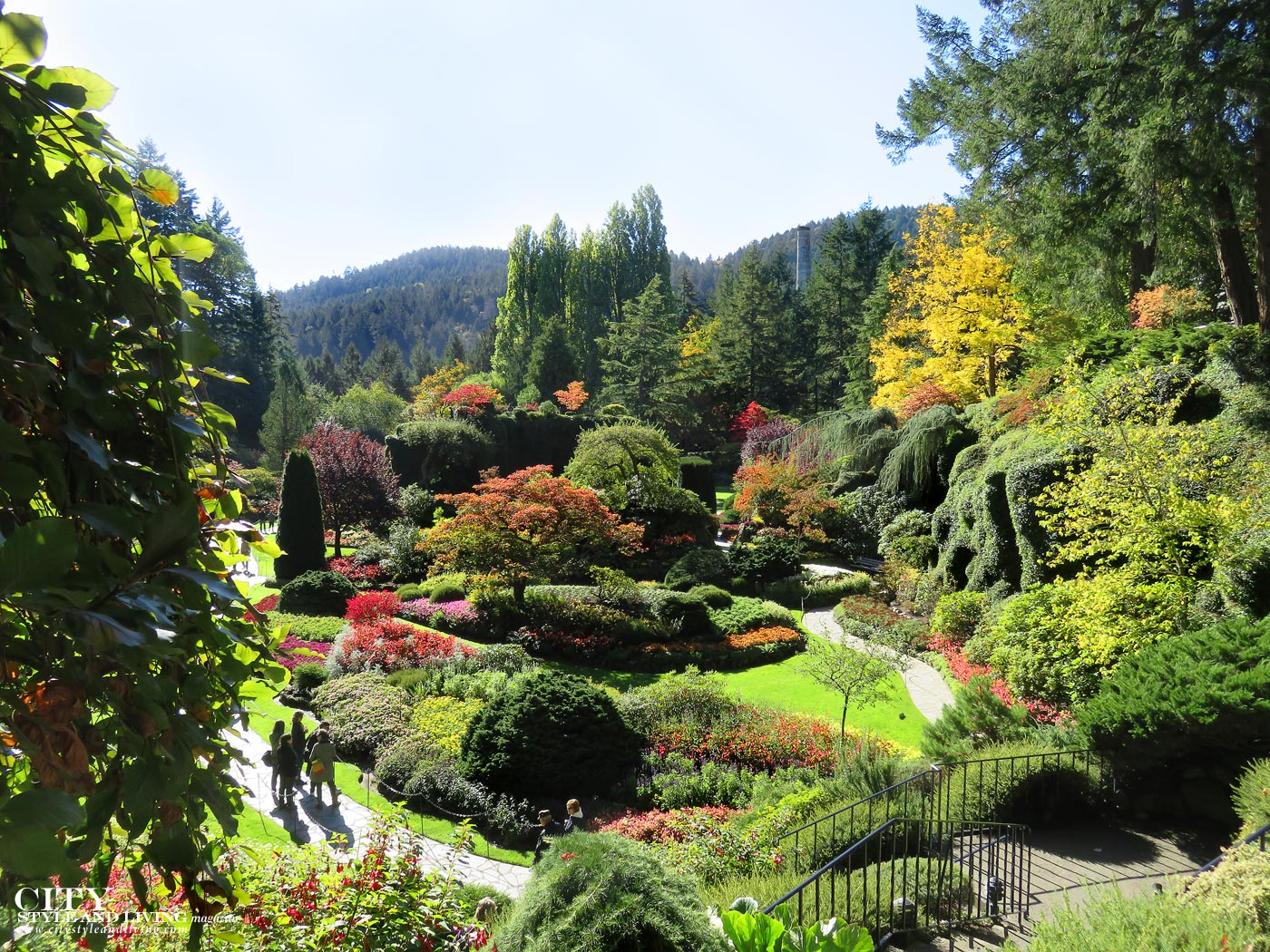City style and living magazine Editors Notebook style fashion blogger Shivana M Butchart Gardens Sunken Garden_watermark