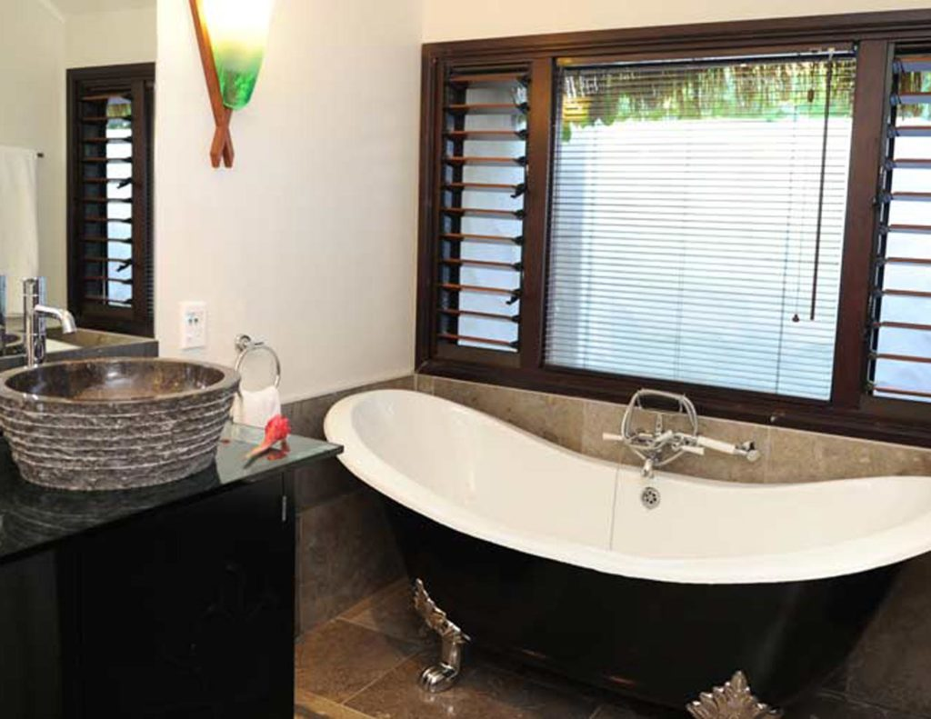 City Style and Living Magazine crown beach resort and spa bathroom bathtub