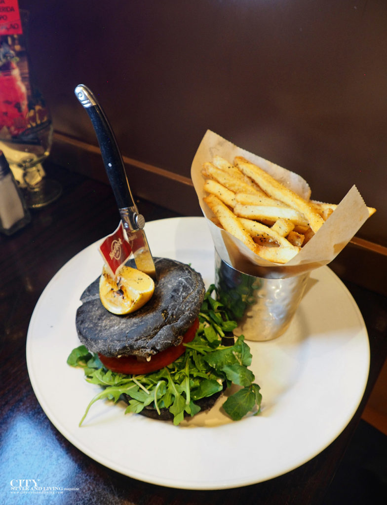 City Style and Living Magazine Travel Portugal Lisbon Hard Rock Lisbon burger