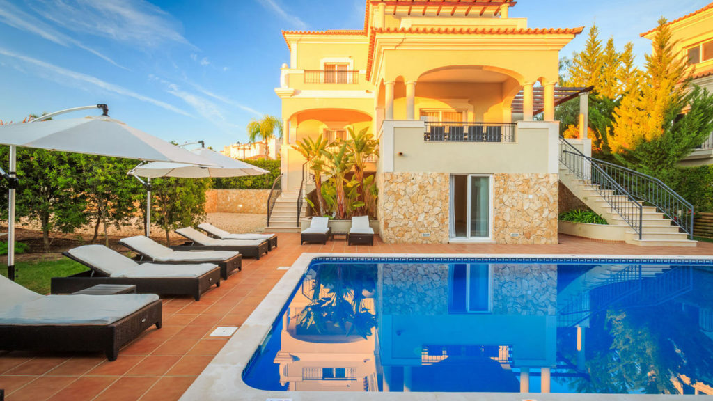 City Style and Living Magazine Travel Portugal alrgarve luxury hotel the crest, loule villa pool
