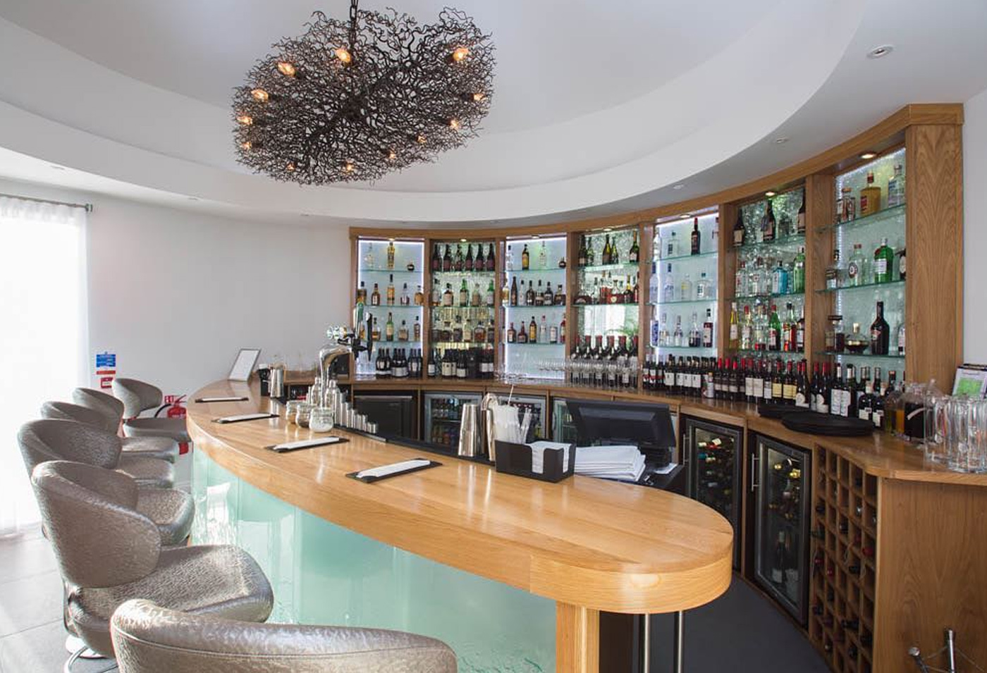 City Style and Living Magazine Winter 2018 Travel Wales Luxury Hotel Holm House Penarth bar