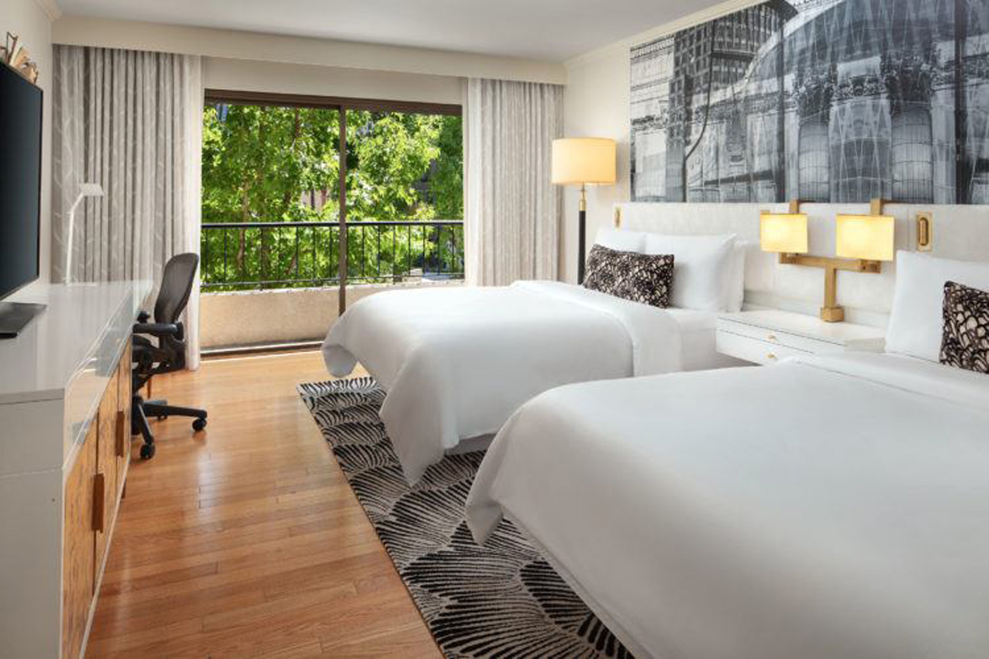 City Style and Living Magazine Summer 2019 Hotels Avenue of the Arts Costa Mesa room inside