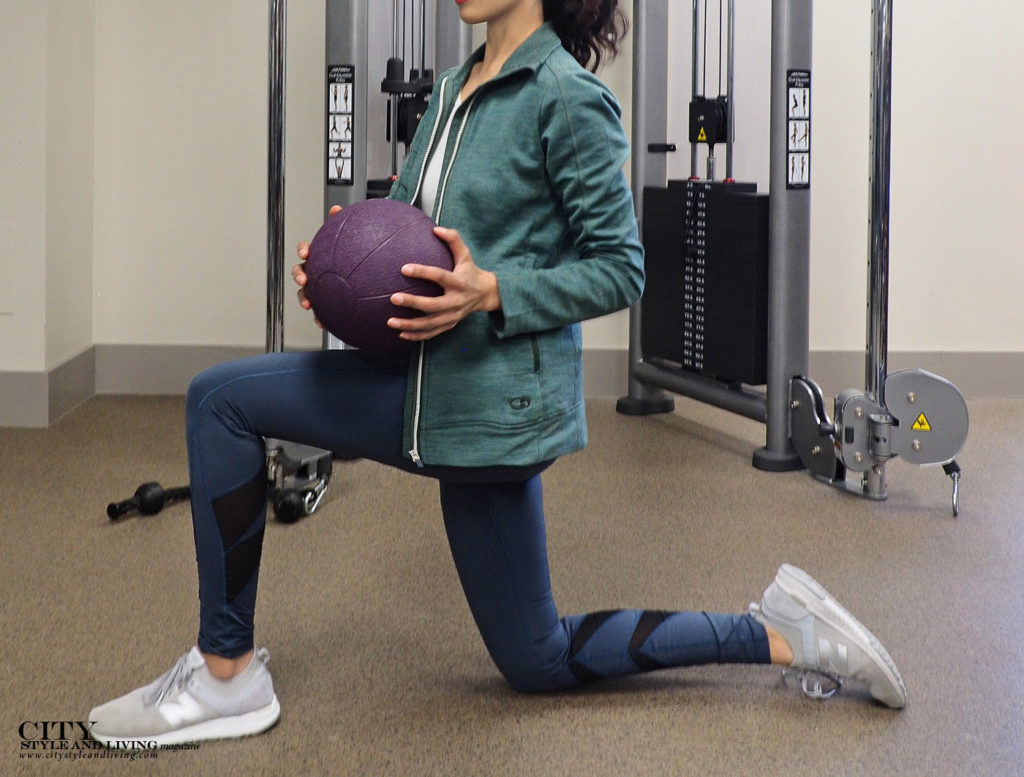 City Style and Living Magazine Winter The 10 minute holiday survival workout lunge