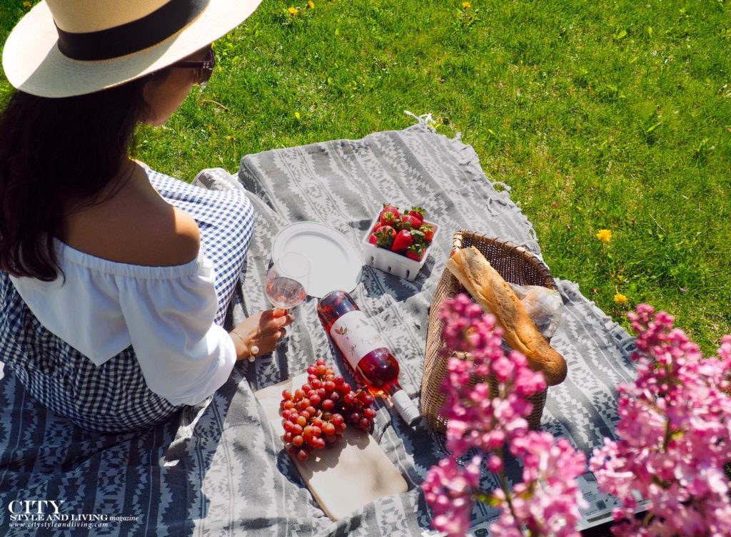 City Style and Living Magazine spring 2020 loving lilacs Hygge Picnic